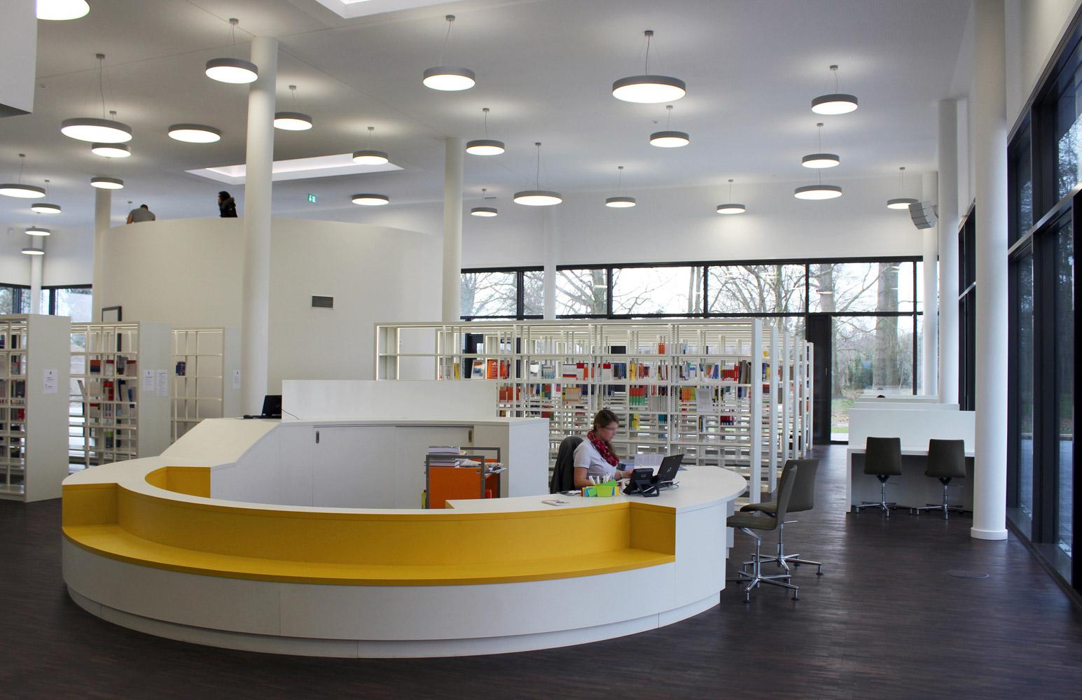 bibliothek der hochschule hamm lippstadt m belwerk l nen. Black Bedroom Furniture Sets. Home Design Ideas