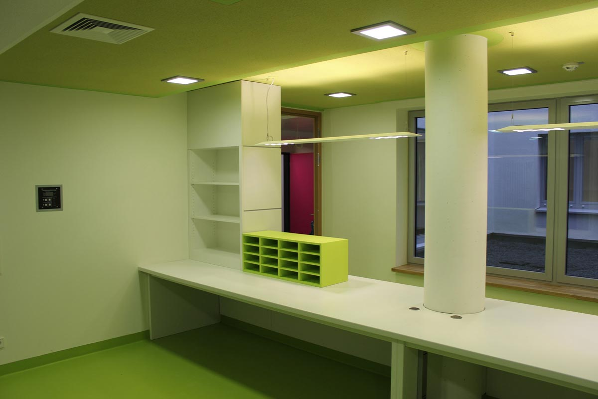 Möbel für Empfangsbereich & Rezeption vom Schreiner | Möbelwerk ...